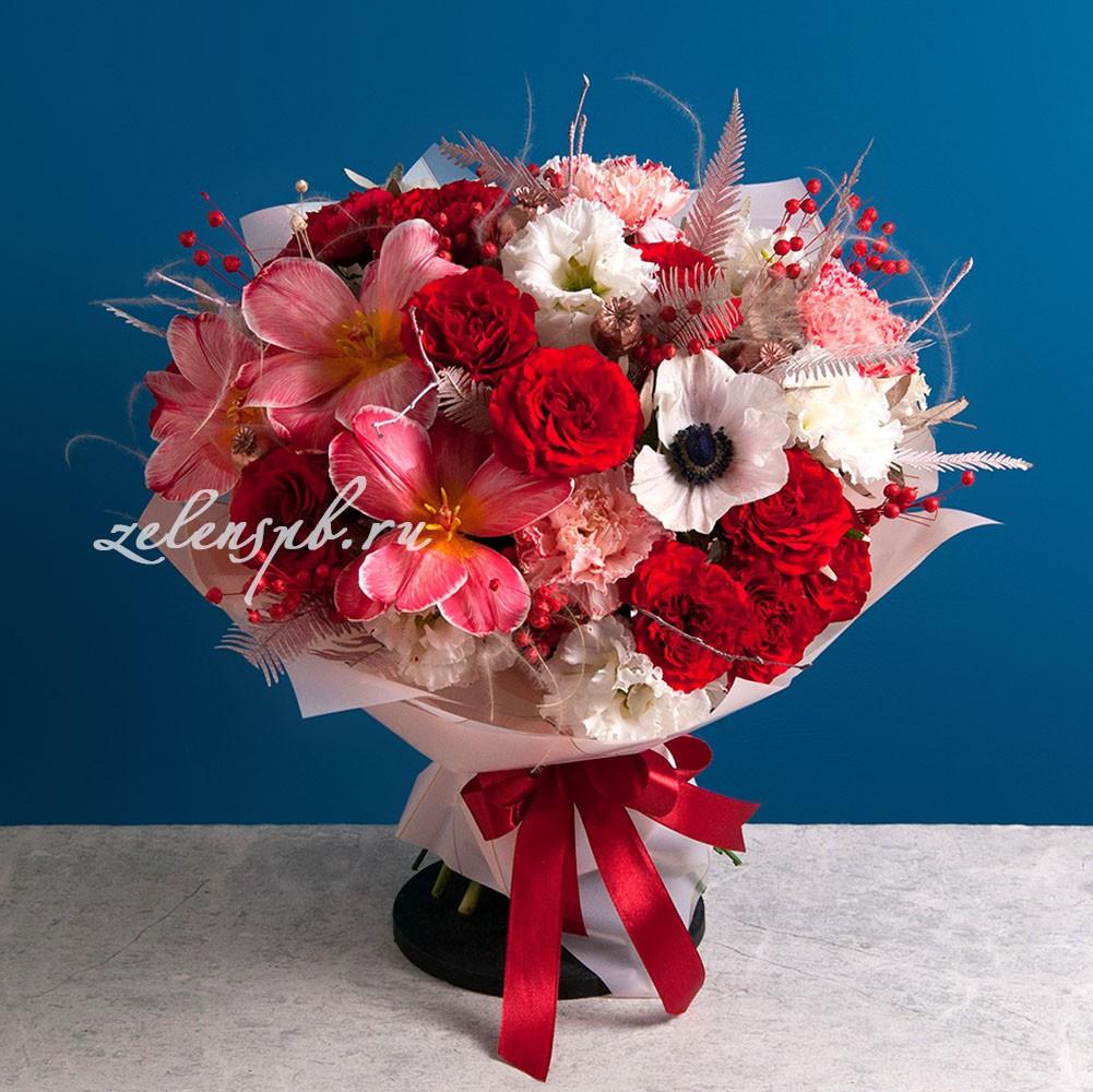 Круглый букет в красной гамме с тюльпанами №10 - купить цветы в Санкт Петербурге