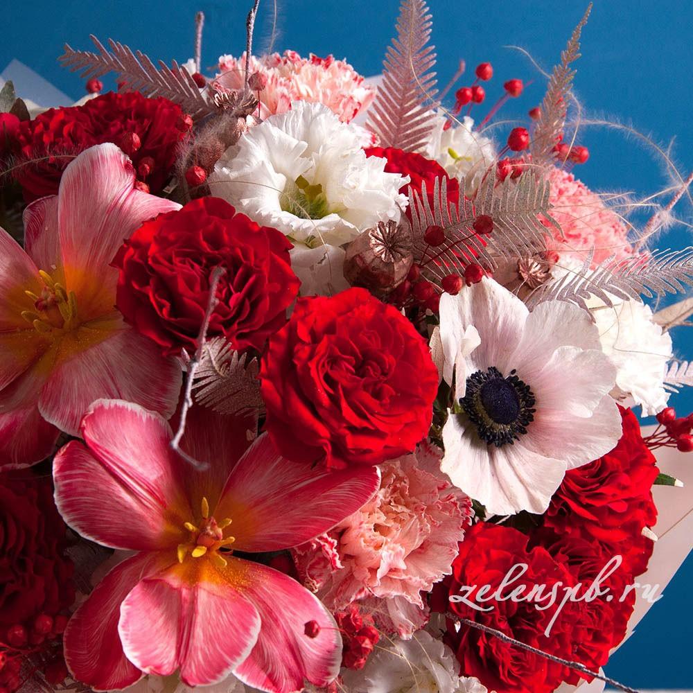 Круглый букет в красной гамме с тюльпанами №10 - цветы в Спб