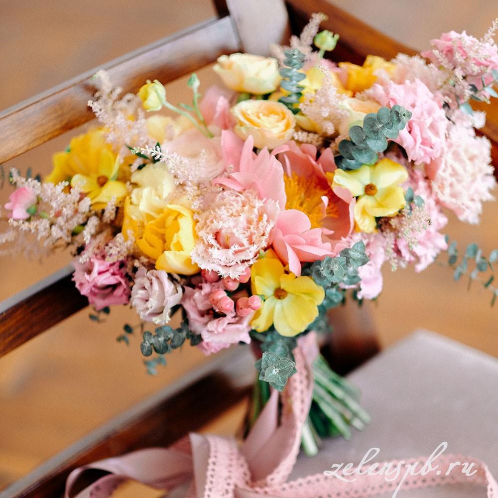 Свадьба в жёлто-розовых тонах. Букет для невесты.