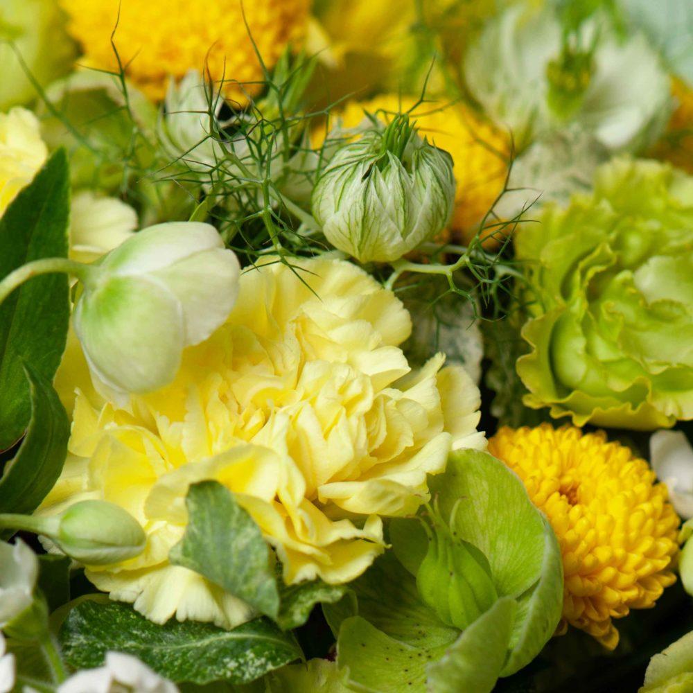 Коробка в зелено-желтой гамме №1 - цветы в Спб