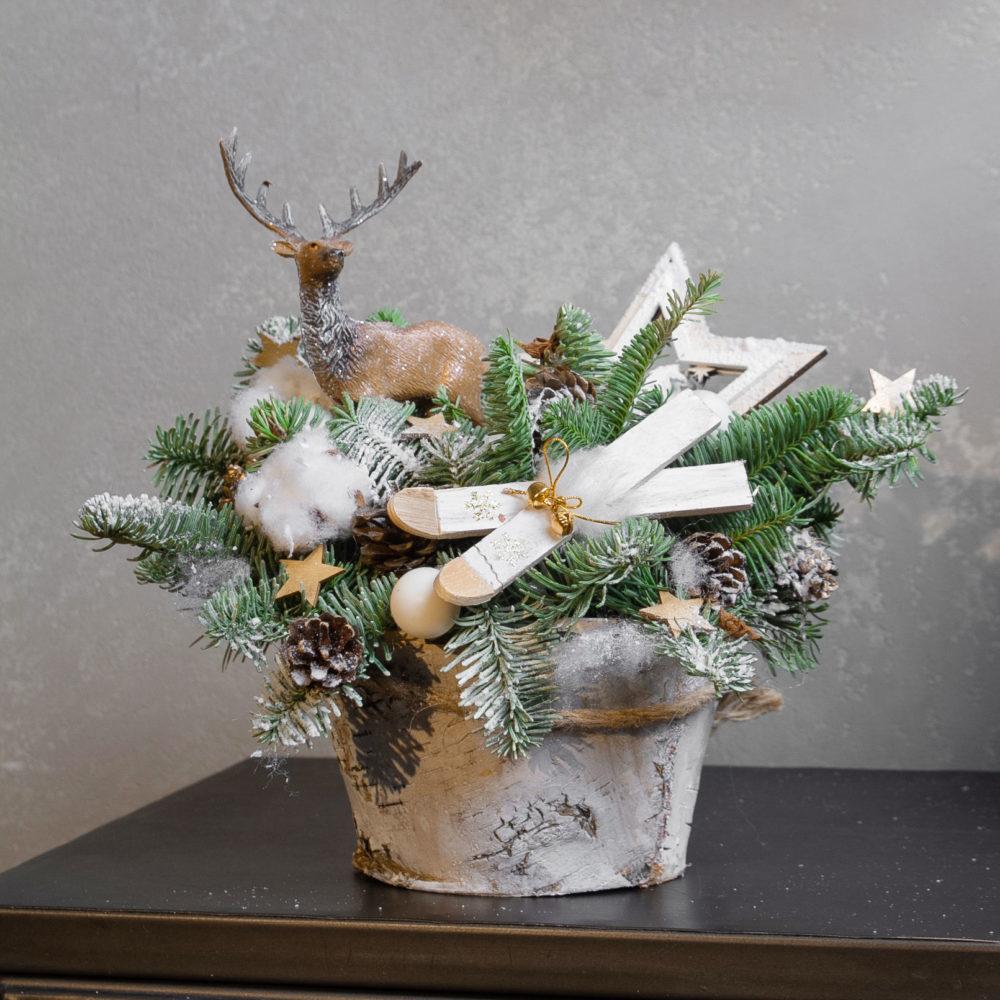 Новогодняя композиция из натуральной ели с хлопком и шишками №13 - купить цветы в Санкт Петербурге