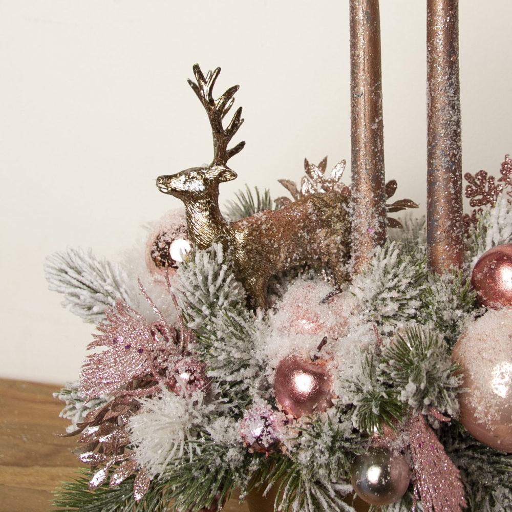 Новогодняя композиция из искусственной заснеженной ели  в розовой гамме №27 - цветы в Спб