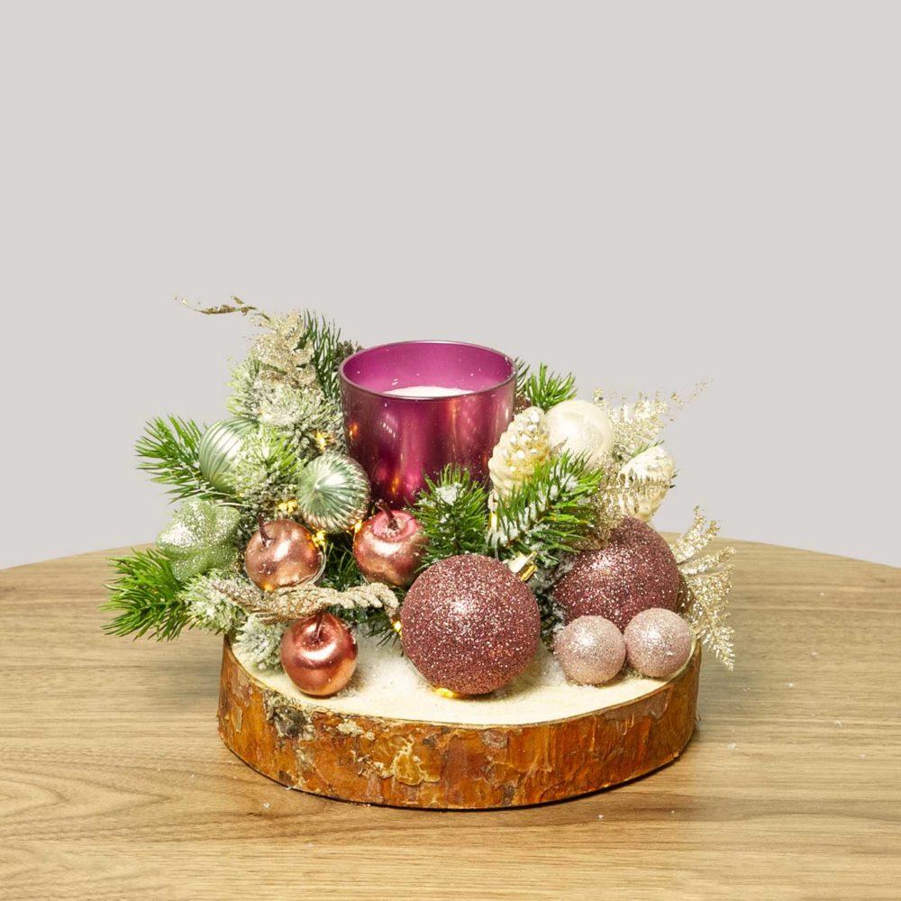 Новогодняя композиция со свечой и розовыми игрушками №35 - купить цветы в Санкт Петербурге