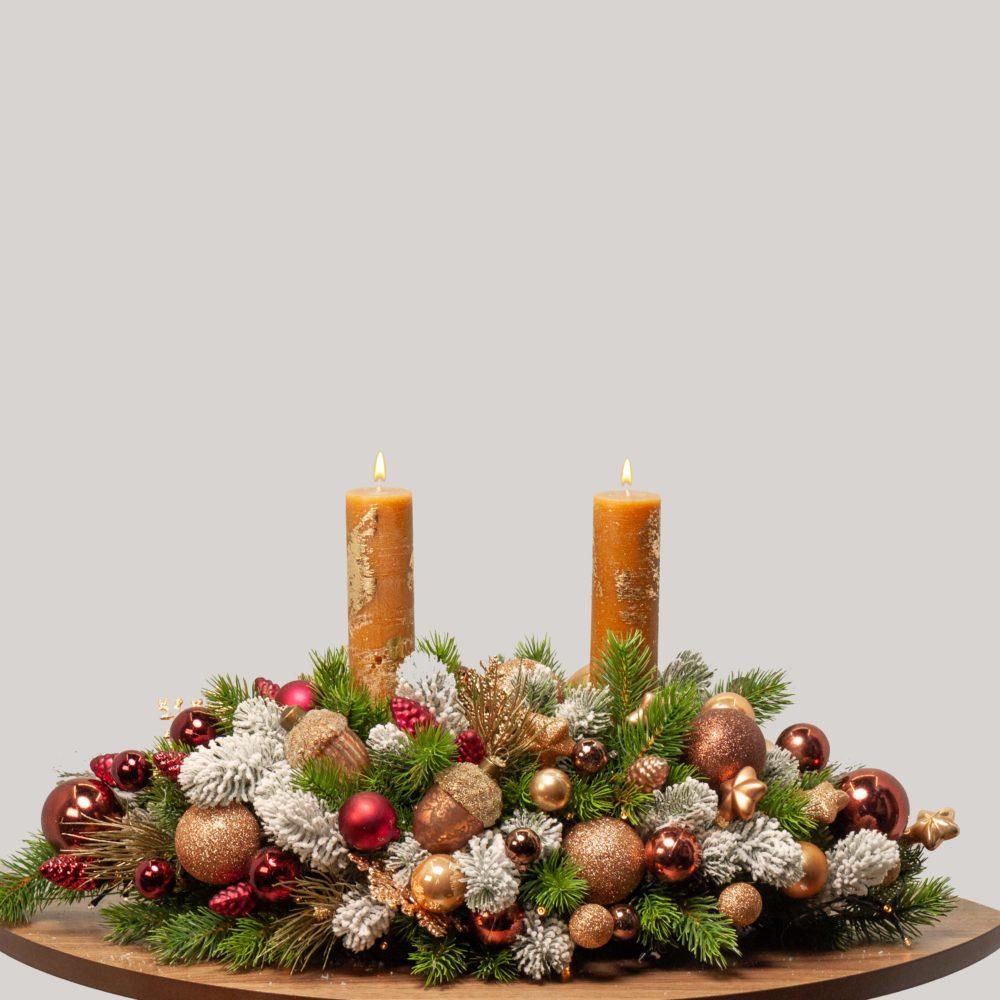 Новогодняя настольная композиция с двумя свечами №46 - купить цветы в Санкт Петербурге