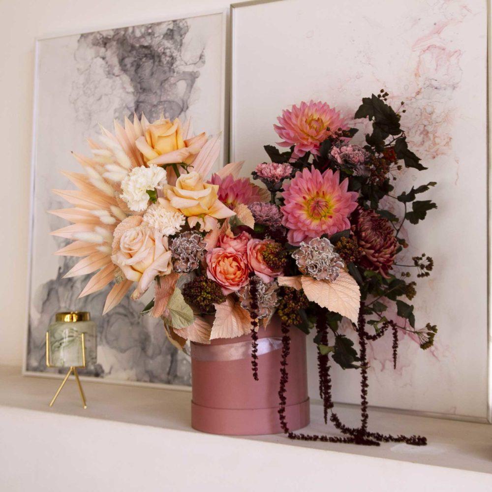 Коробка с персиковой розой и инжиром №6 - цветы в Спб