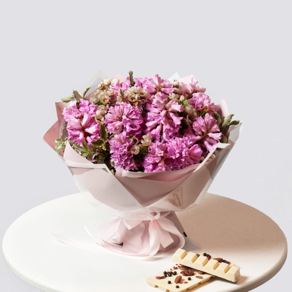 Букет с розовыми гиацинтами и ваксфлауэром №9 - купить цветы в Санкт Петербурге
