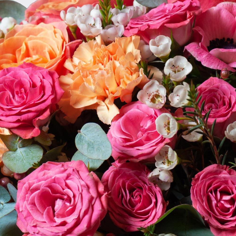 Букет на каркасе в розово-оранжевой гамме №36 - цветы в Спб