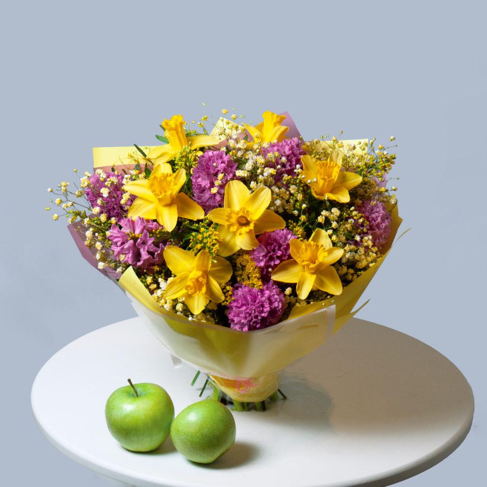 Букет розовыми гиацинтами и нарциссами №56 - купить цветы в Санкт Петербурге