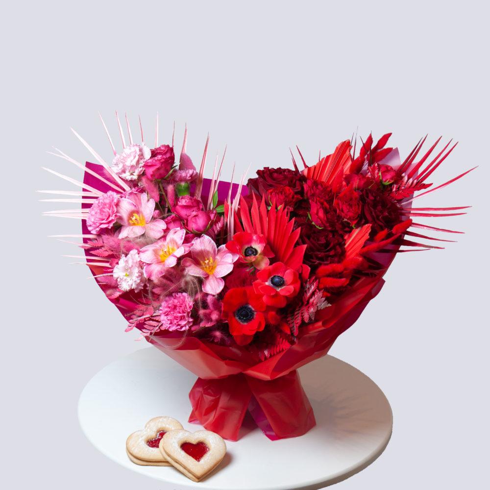 Букет в розово-красной гамме №33 - купить цветы в Санкт Петербурге