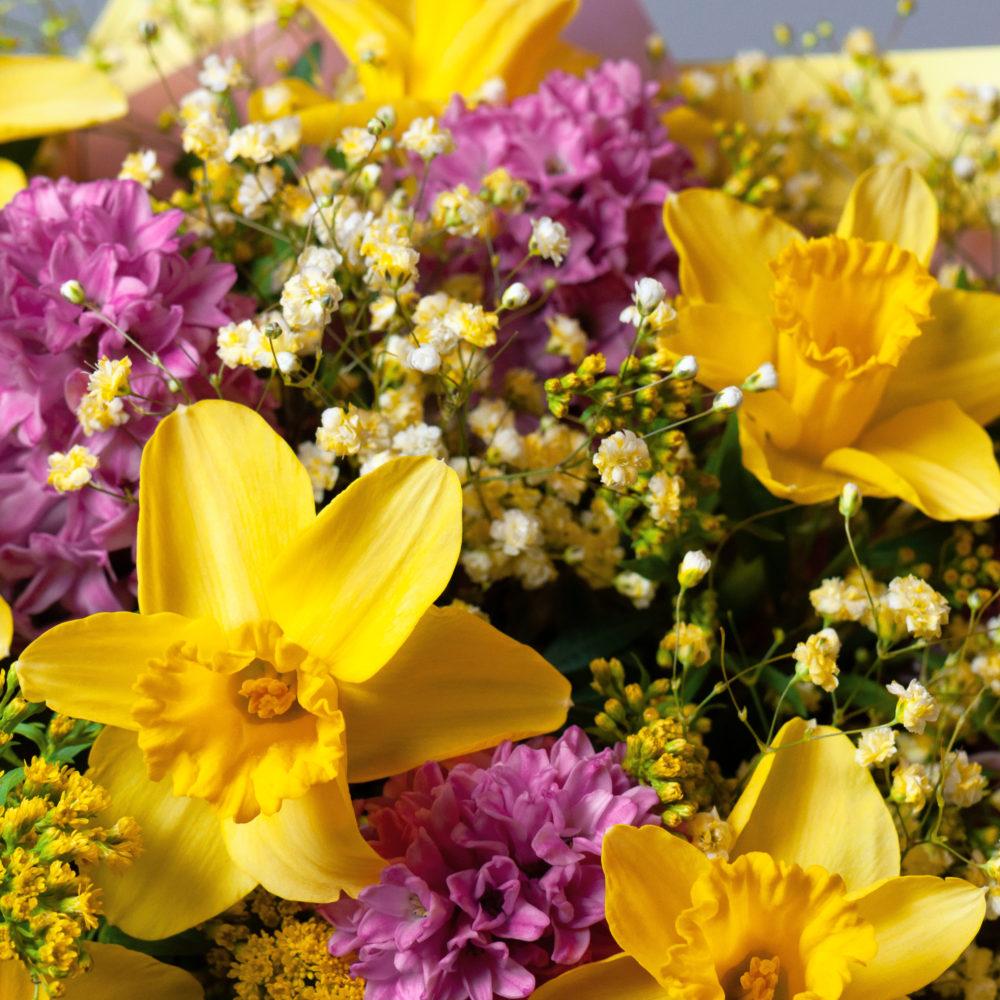 Букет розовыми гиацинтами и нарциссами №56 - цветы в Спб