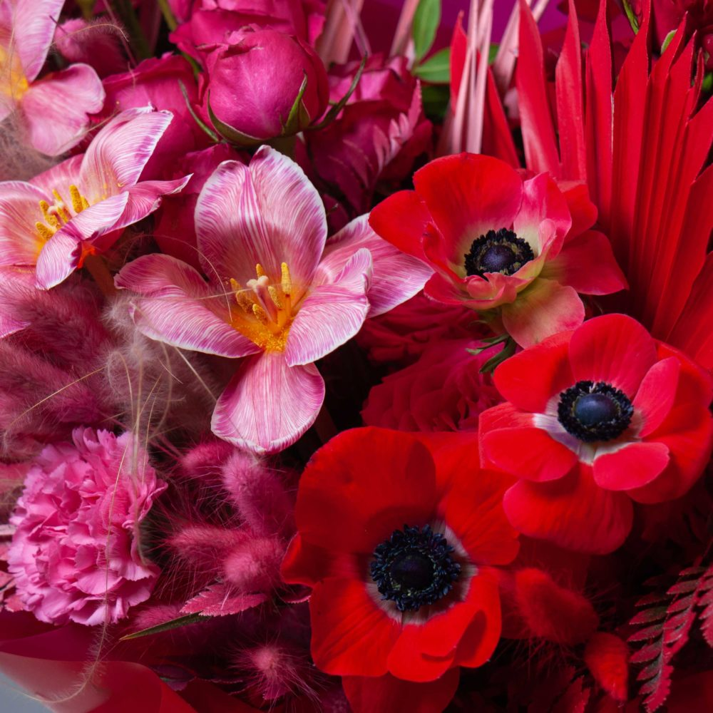 Букет в розово-красной гамме №33 - цветы в Спб