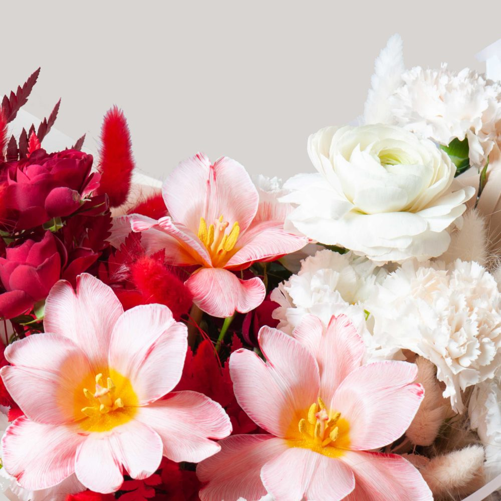 Букет в красно-белой гамме №35 - цветы в Спб