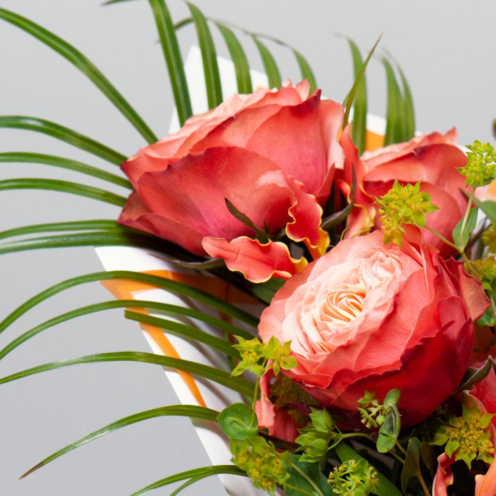 Букет с розами и антирринумом №39 - цветы в Спб