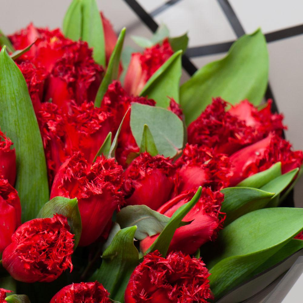 Монобукет из красных тюльпанов №10 - цветы в Спб