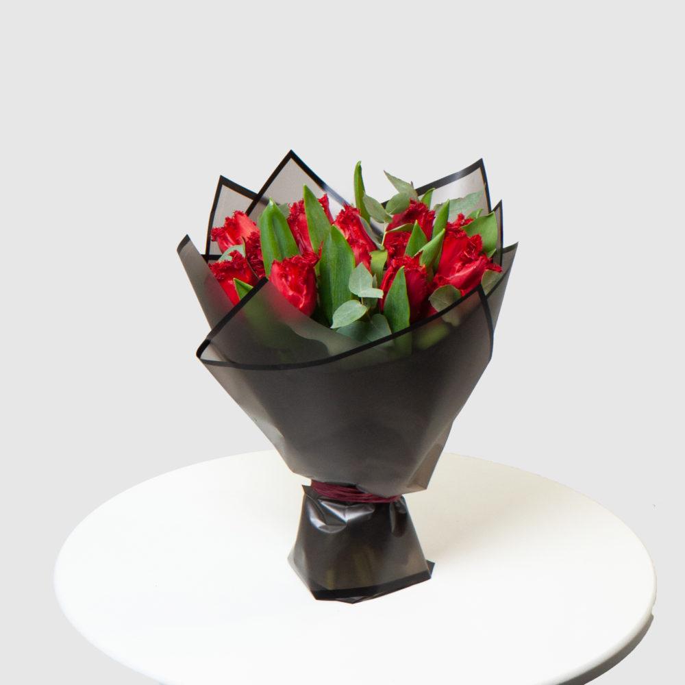 Монобукет из красных тюльпанов №12 - купить цветы в Санкт Петербурге