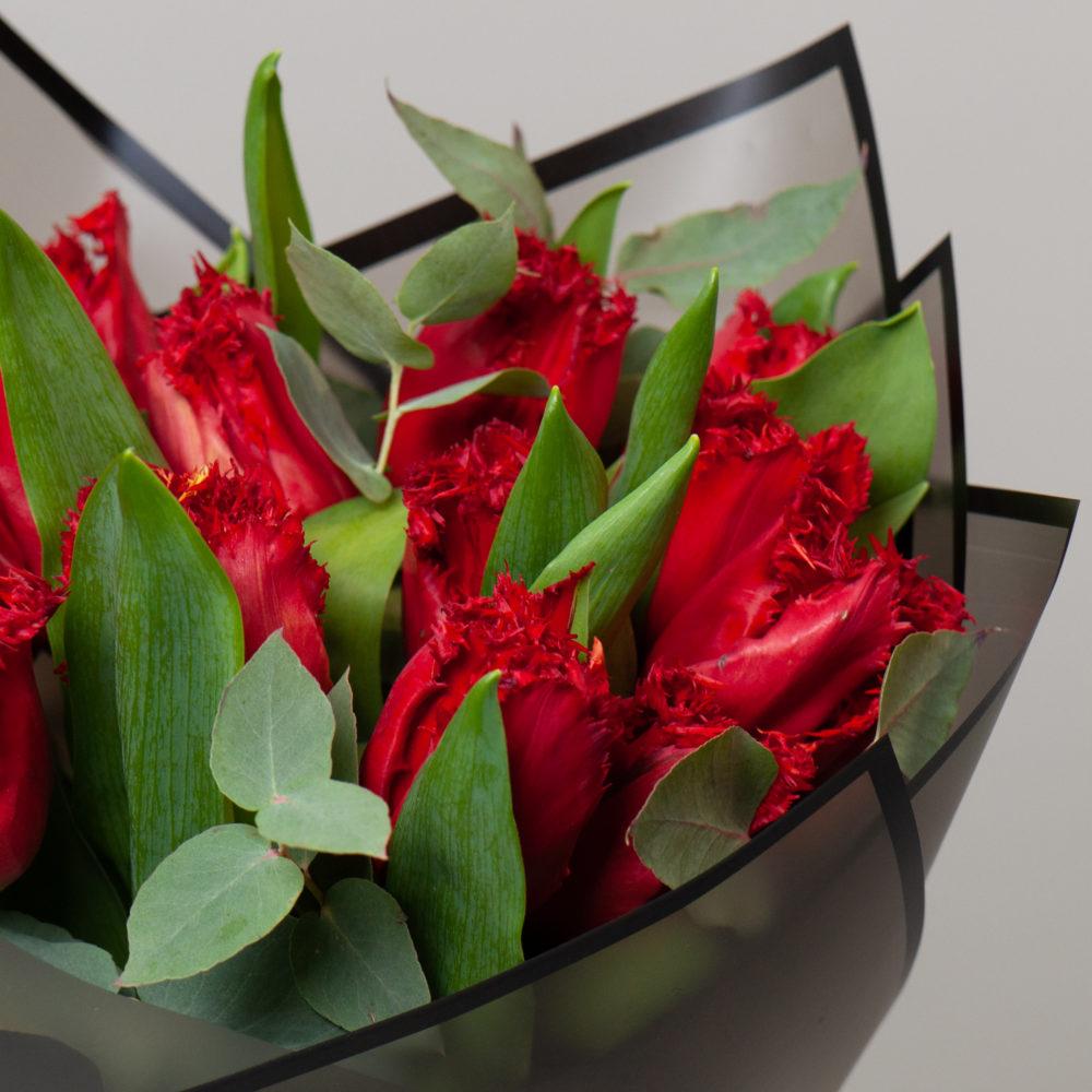 Монобукет из красных тюльпанов №12 - цветы в Спб