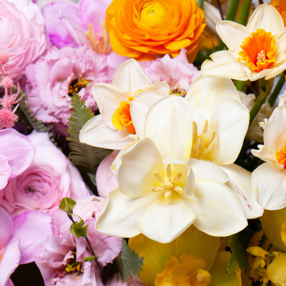Корзина в оранжево-розовой гамме №7 - цветы в Спб