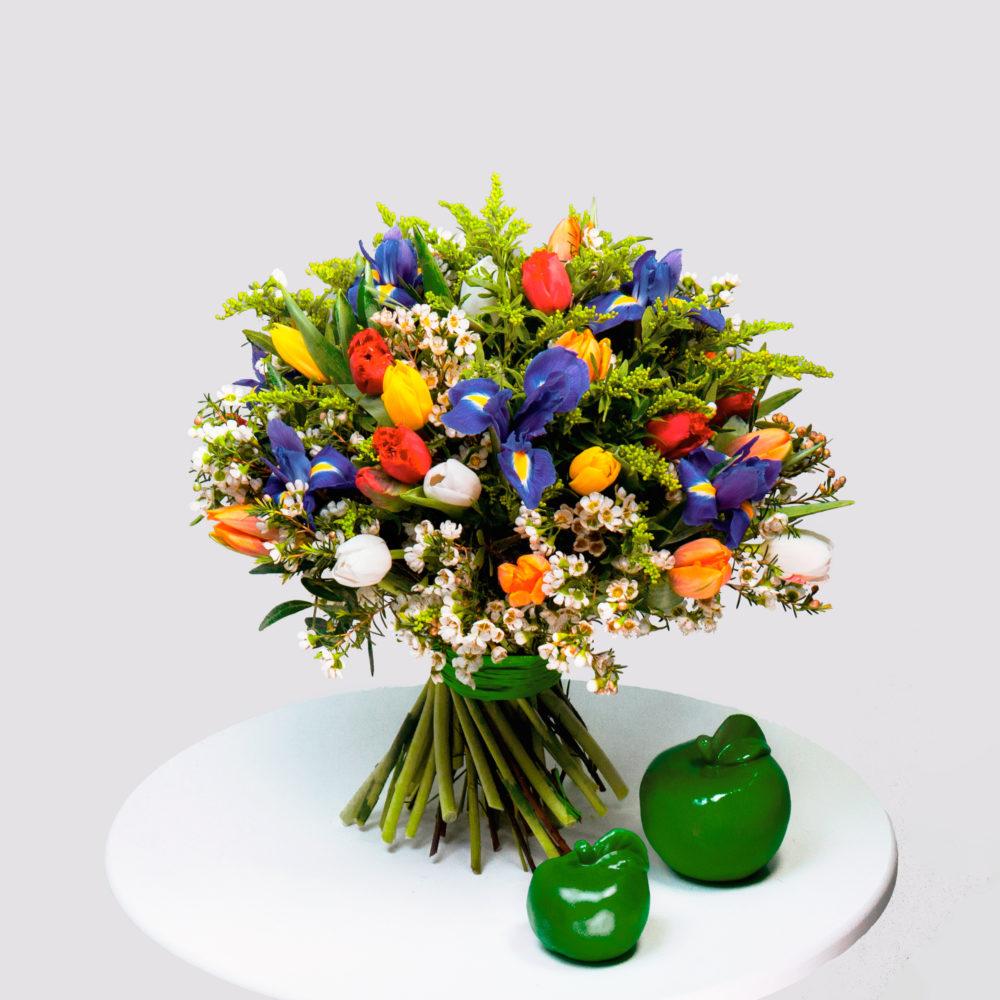 Круглый букет с разноцветными тюльпанами №43 - купить цветы в Санкт Петербурге