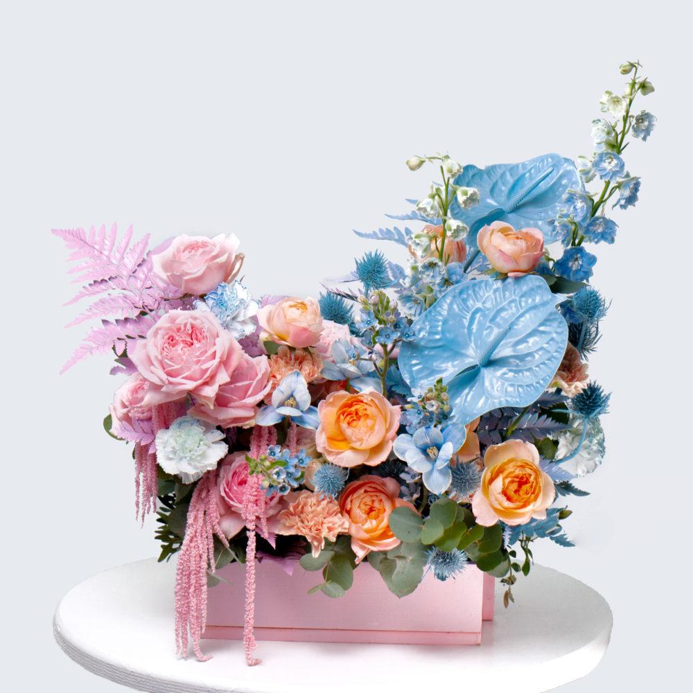 Ящик в розово-голубой гамме №18 - купить цветы в Санкт Петербурге