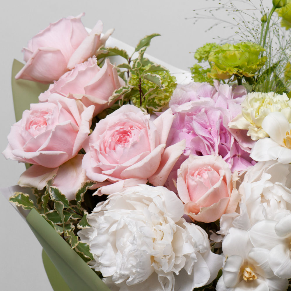 Букет в зелено-розовой гамме №46 - цветы в Спб