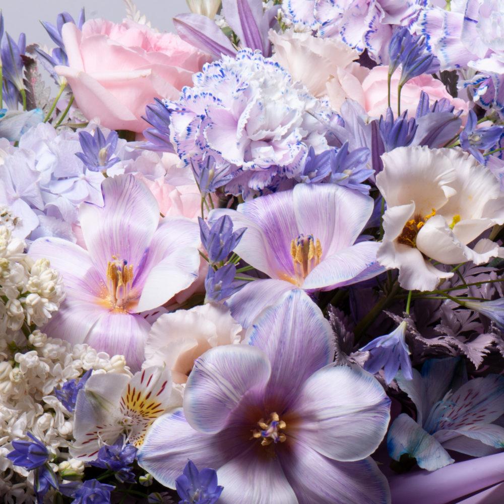 Букет в фиолетово-белой гамме №51 - цветы в Спб