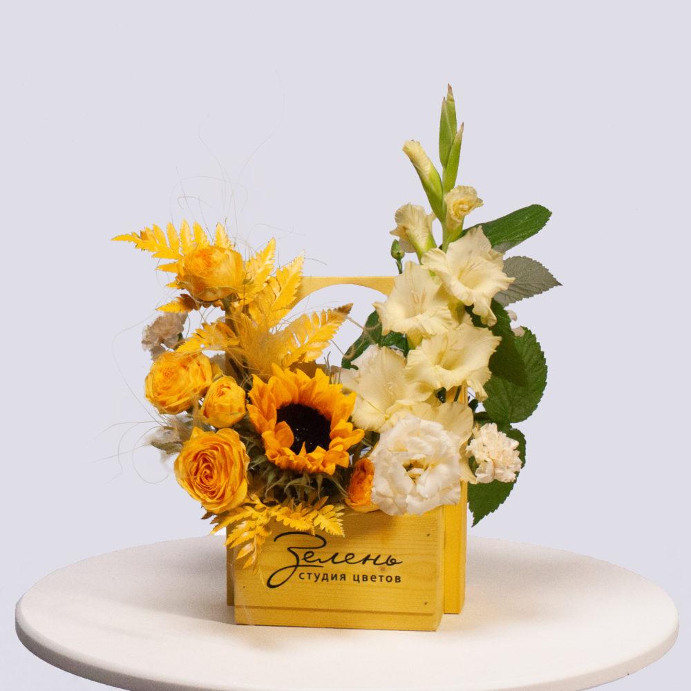Ящик в желто-белой гамме №33 - купить цветы в Санкт Петербурге