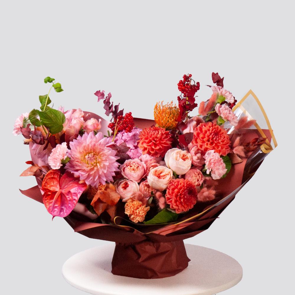 Букет в розово-оранжевой гамме №66 - купить цветы в Санкт Петербурге