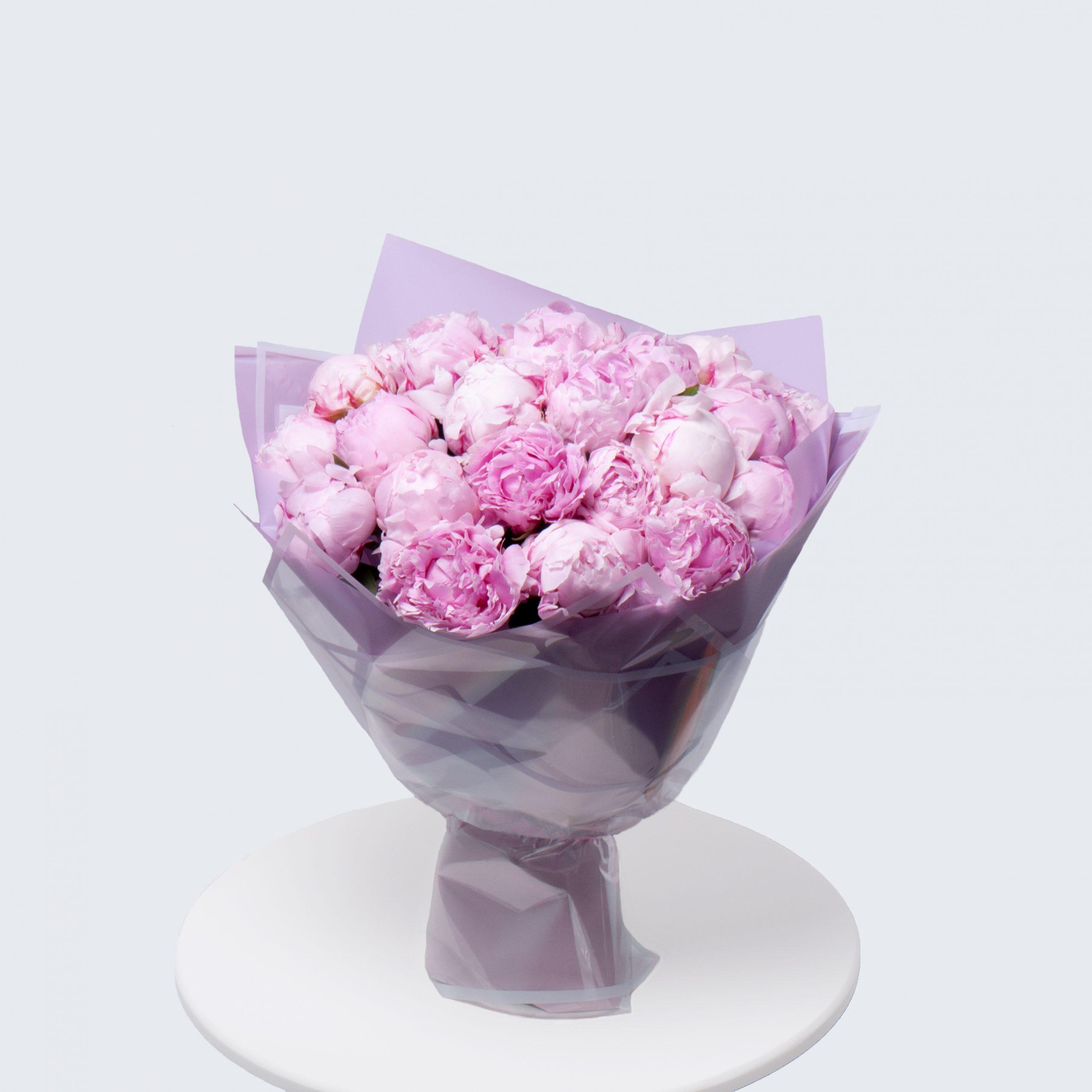 Монобукет из розовых пионов №11 - купить цветы в Санкт Петербурге