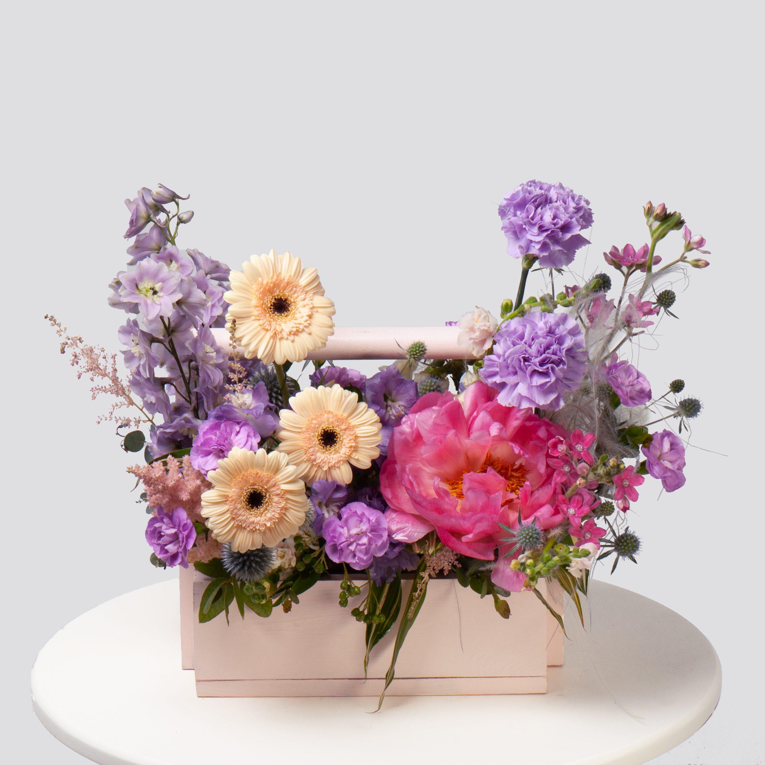Ящик в лавандово-желтой гамме №28 - купить цветы в Санкт Петербурге