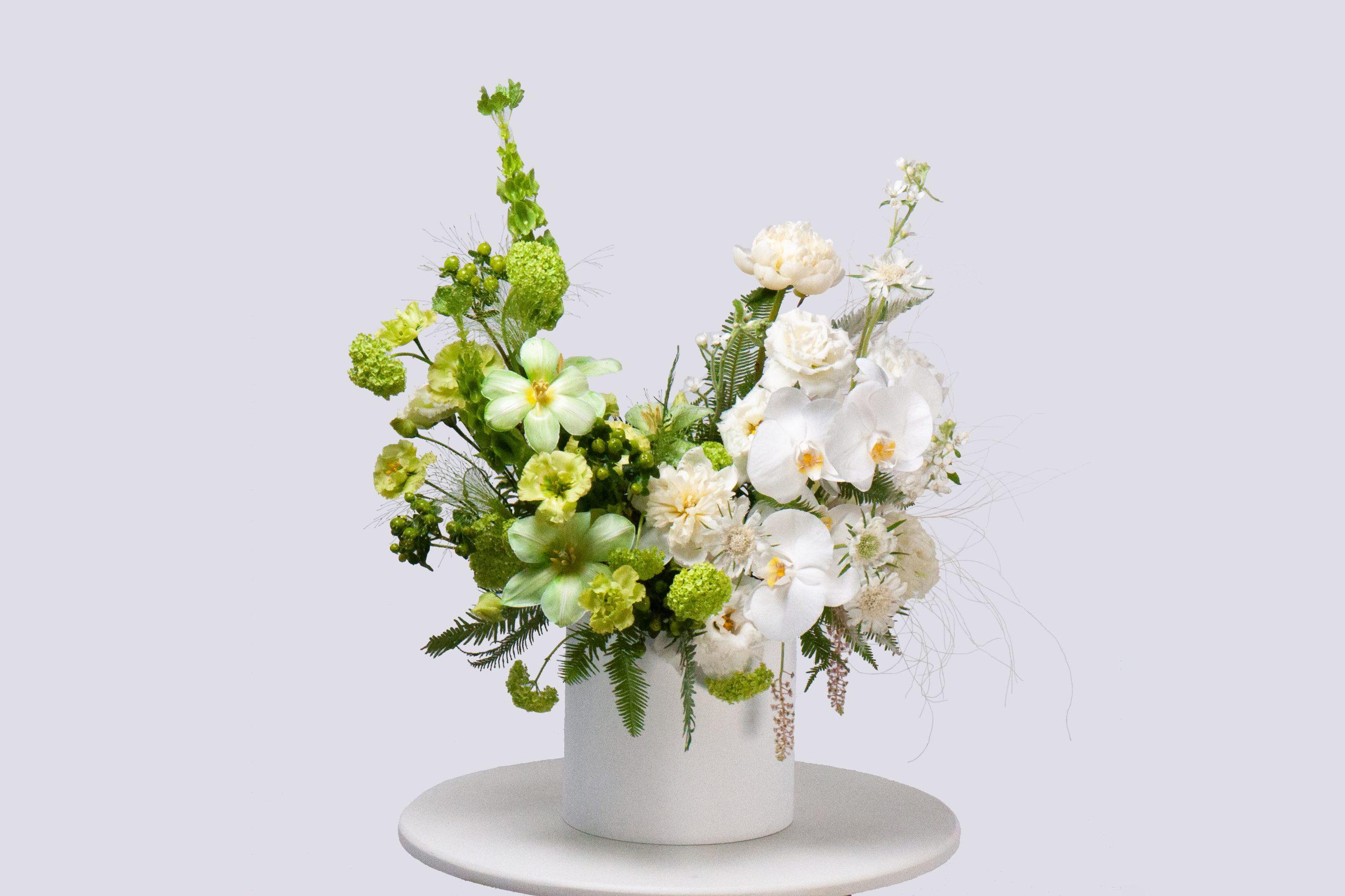 Коробка в бело-зеленой гамме №3 - купить цветы в Санкт Петербурге