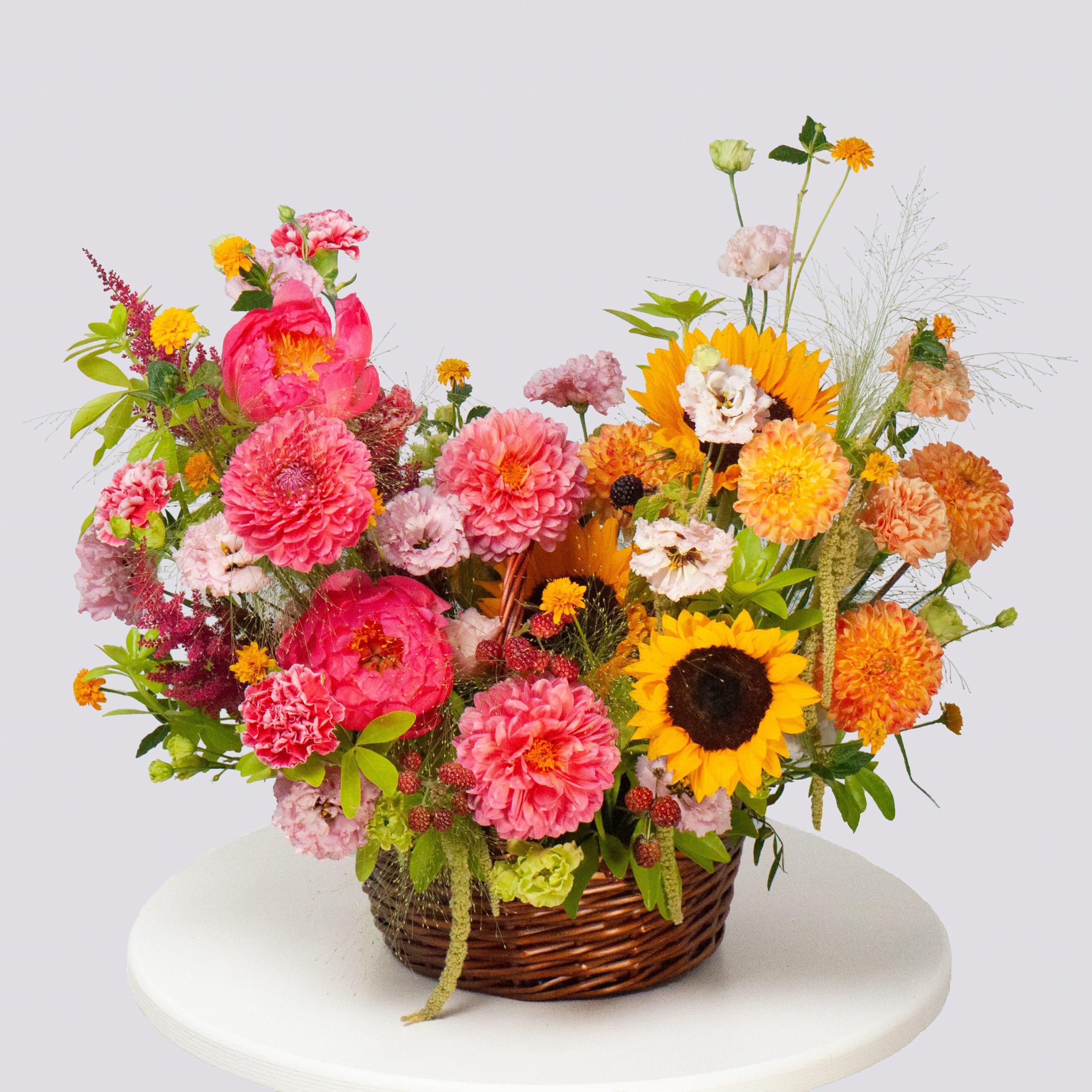 Корзина с подсолнухом №9 - купить цветы в Санкт Петербурге