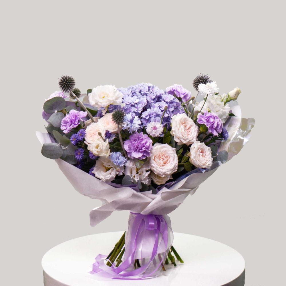 Букет с гортензией и кустовыми розами №25 - купить цветы в Санкт Петербурге