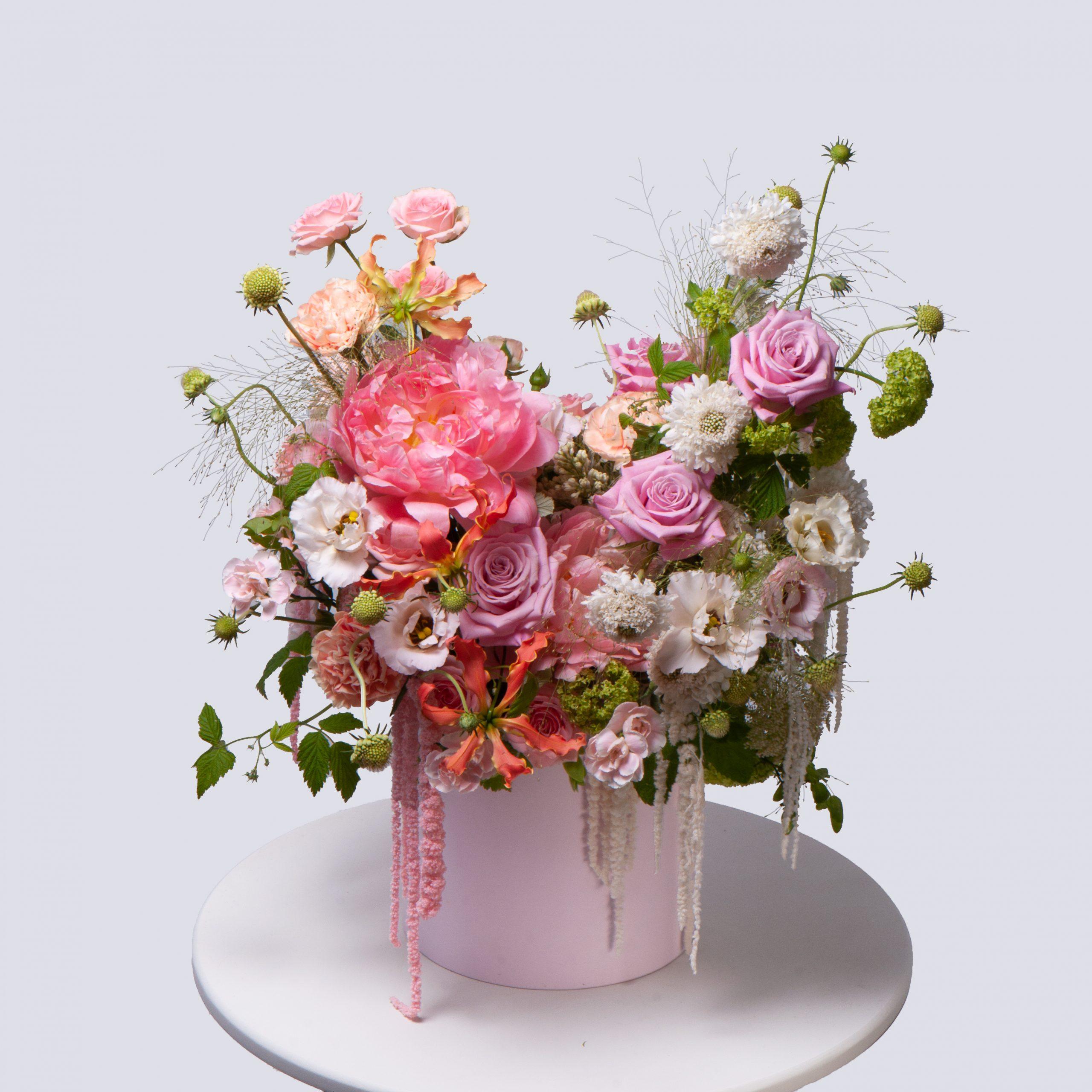 Коробка в розовой гамме №4 - купить цветы в Санкт Петербурге