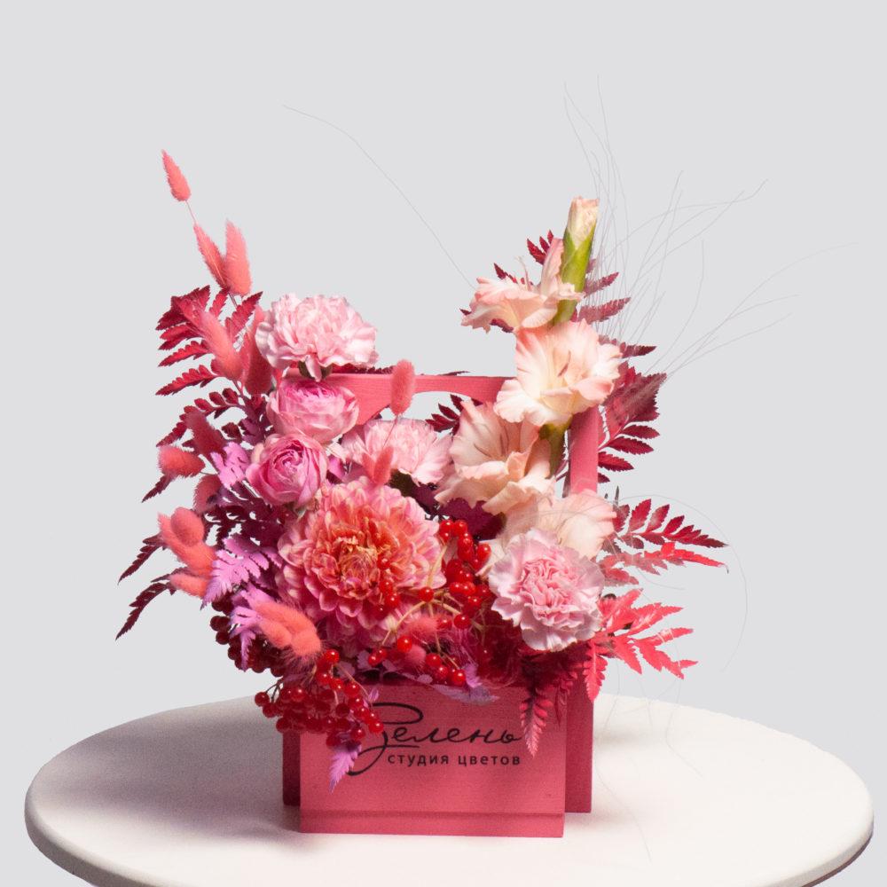 Ящик в розовой гамме №37 - купить цветы в Санкт Петербурге