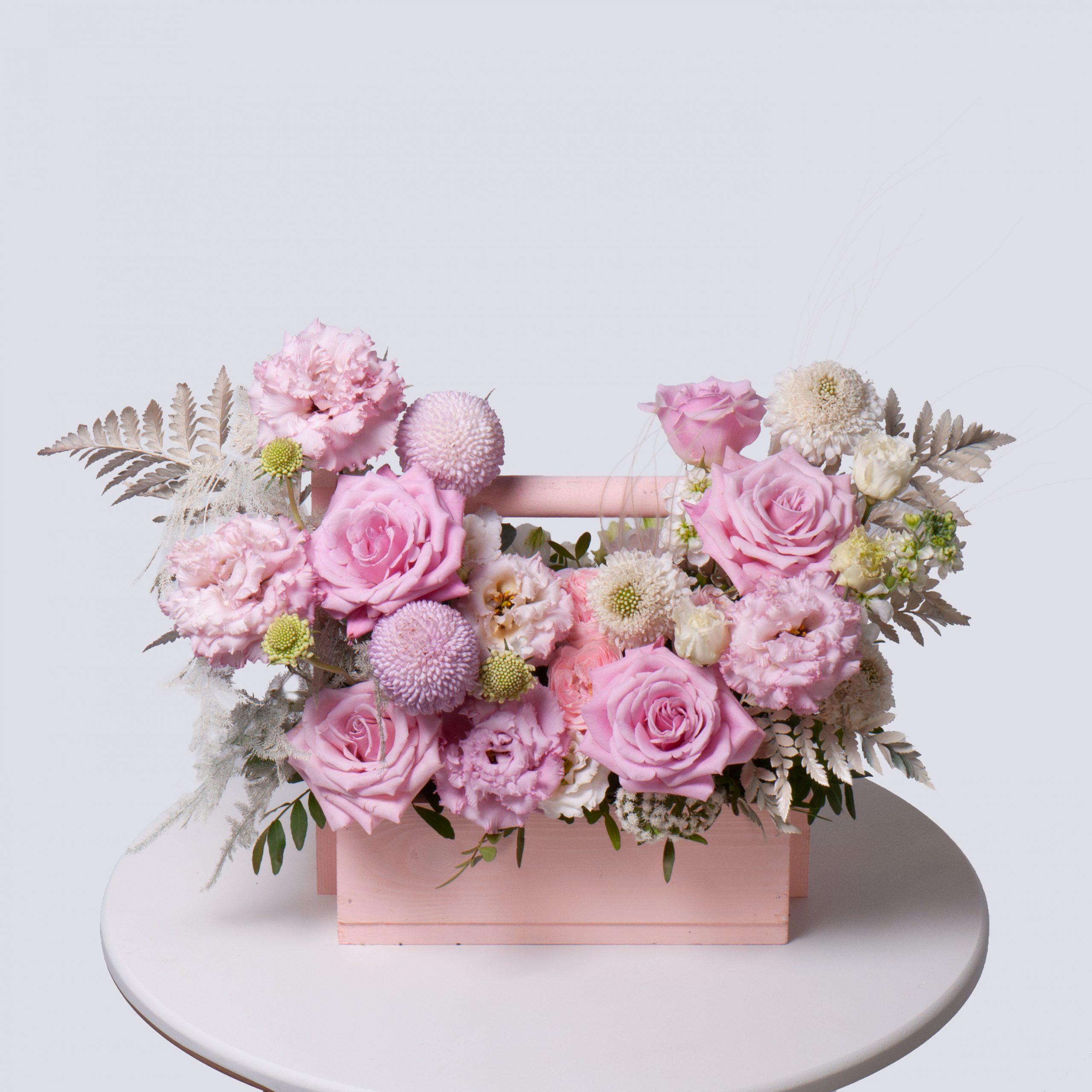 Ящик в розовой гамме №27 - купить цветы в Санкт Петербурге