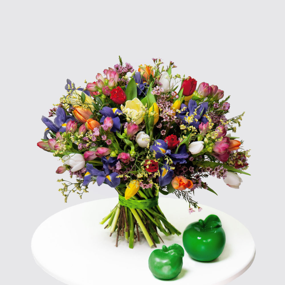 Круглый букет с разноцветными тюльпанами №44 - купить цветы в Санкт Петербурге