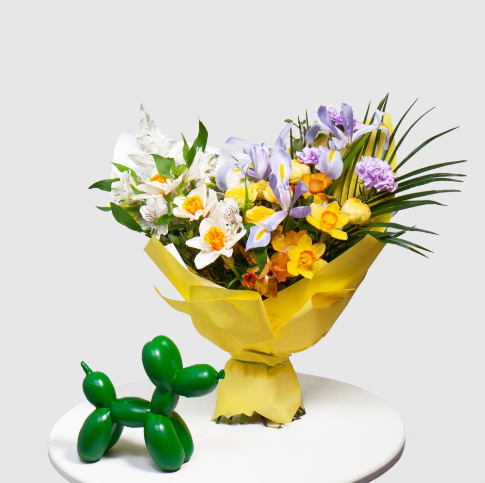 Букет с нарциссами и ирисами №40 - купить цветы в Санкт Петербурге