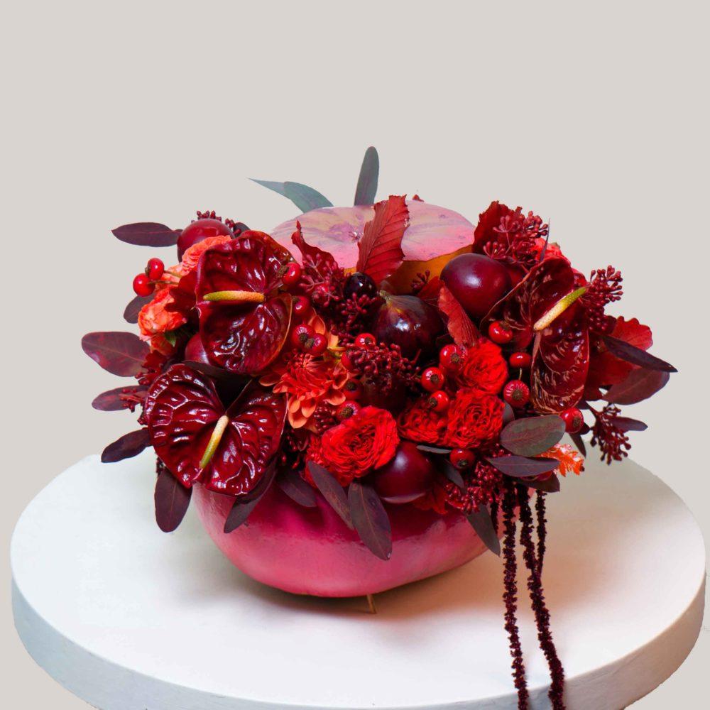 Композиция в тыкве №4 - купить цветы в Санкт Петербурге