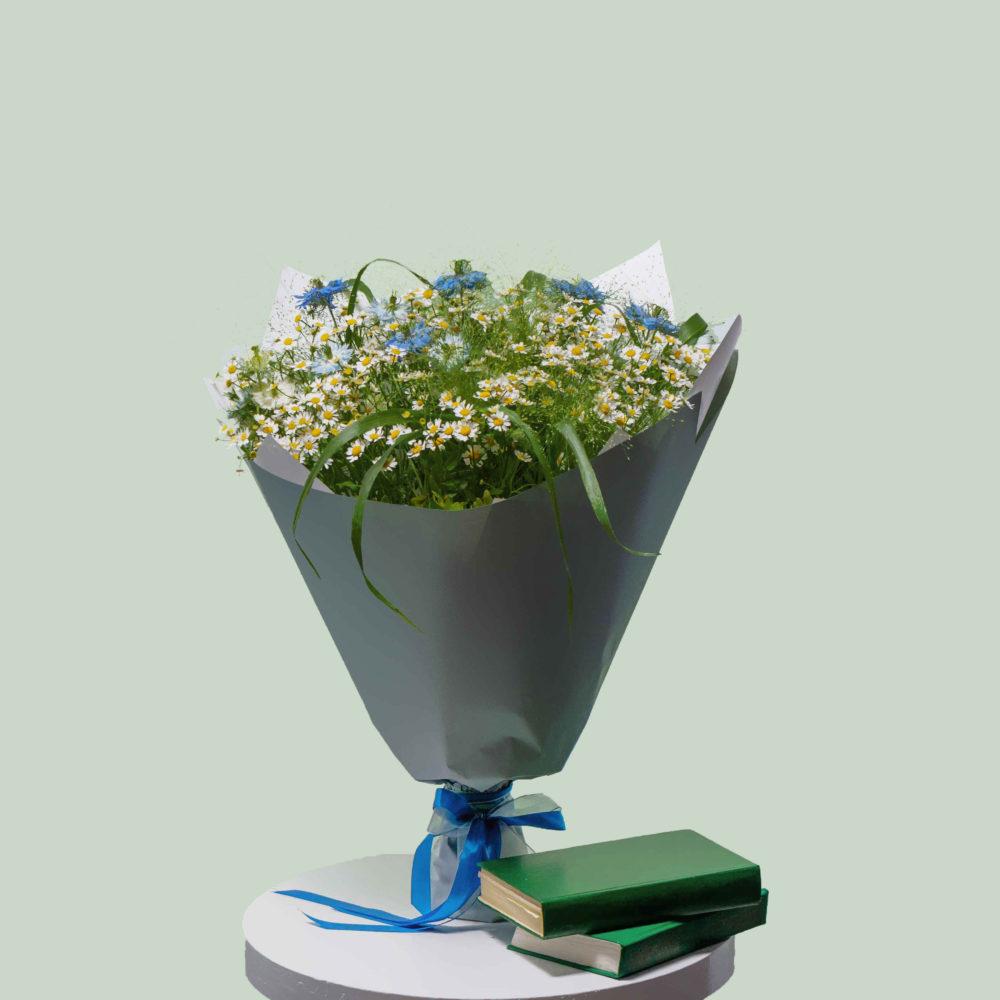 Букет с ромашкой и нигеллой №23 - купить цветы в Санкт Петербурге