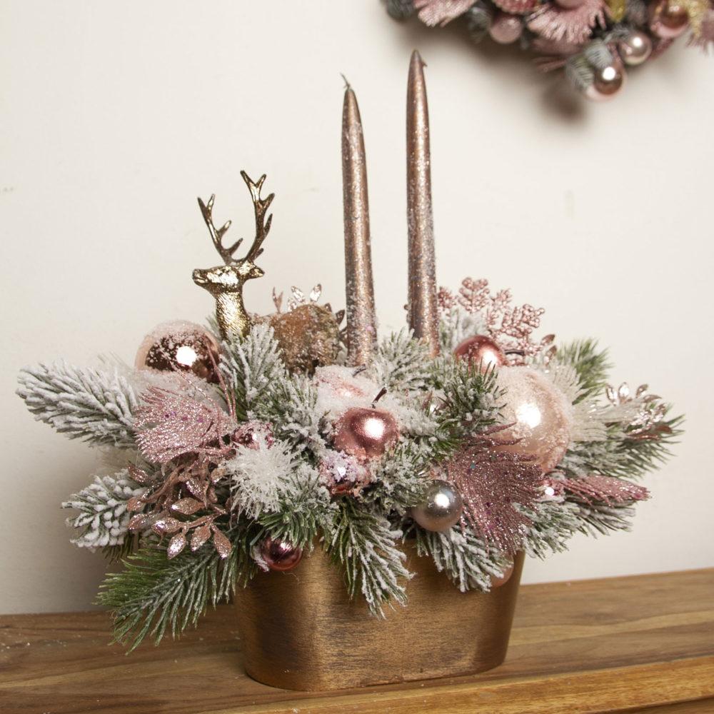 Новогодняя композиция из искусственной заснеженной ели  в розовой гамме №27 - купить цветы в Санкт Петербурге
