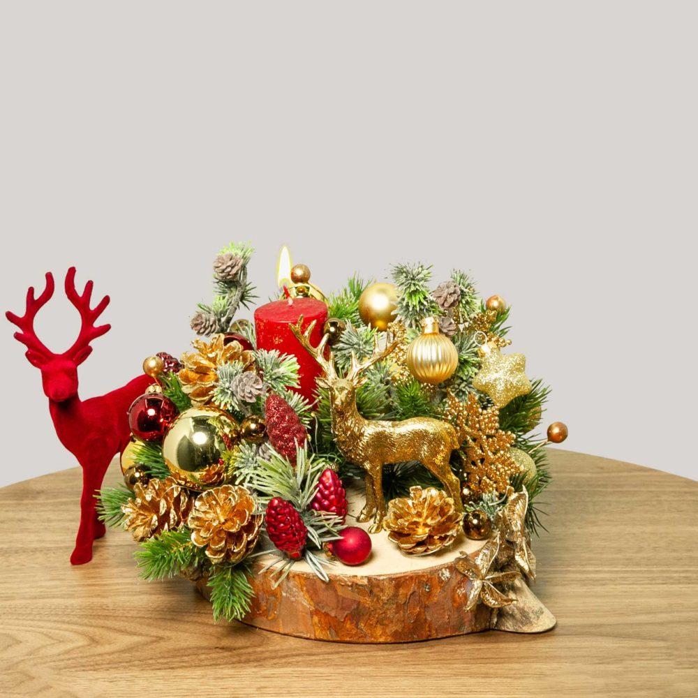 Новогодняя композиция с золотым оленем и свечой №32 - купить цветы в Санкт Петербурге