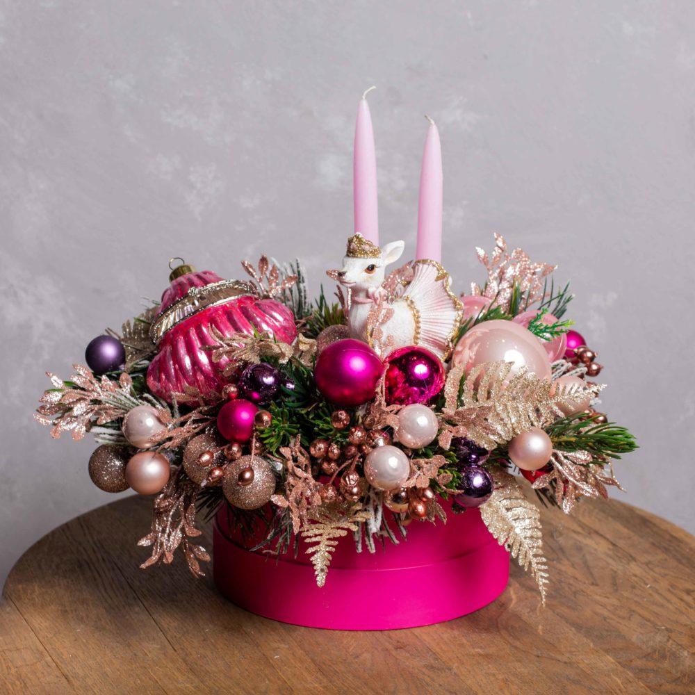Новогодняя композиция из искусственной ели в ярко-розовой гамме №23 - купить цветы в Санкт Петербурге