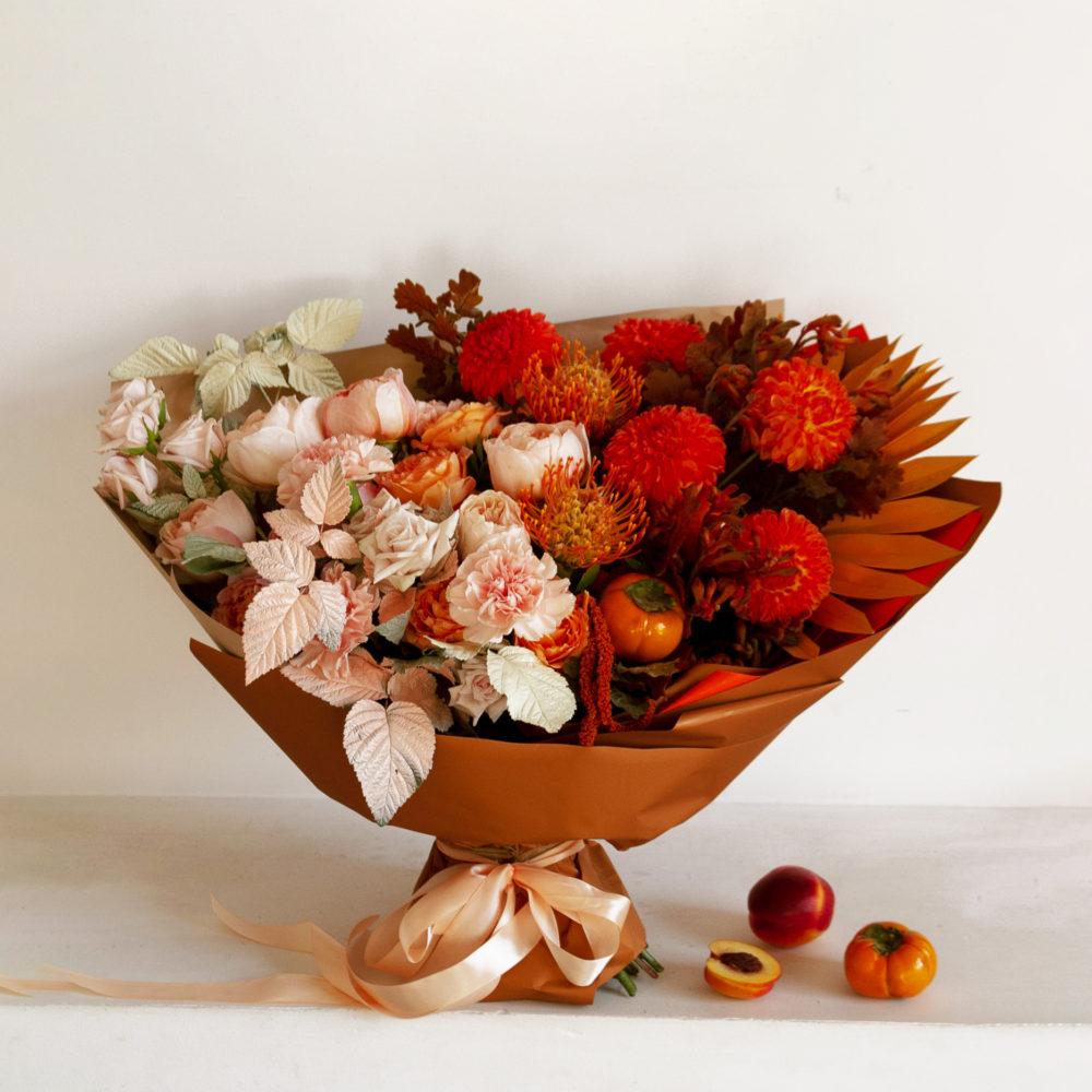 Букет в персиково-алой гамме №29 - купить цветы в Санкт Петербурге