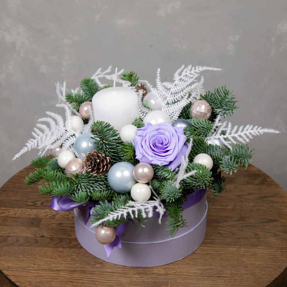 Новогодняя композиция из натуральной ели со стабилизированной розой №21 - купить цветы в Санкт Петербурге