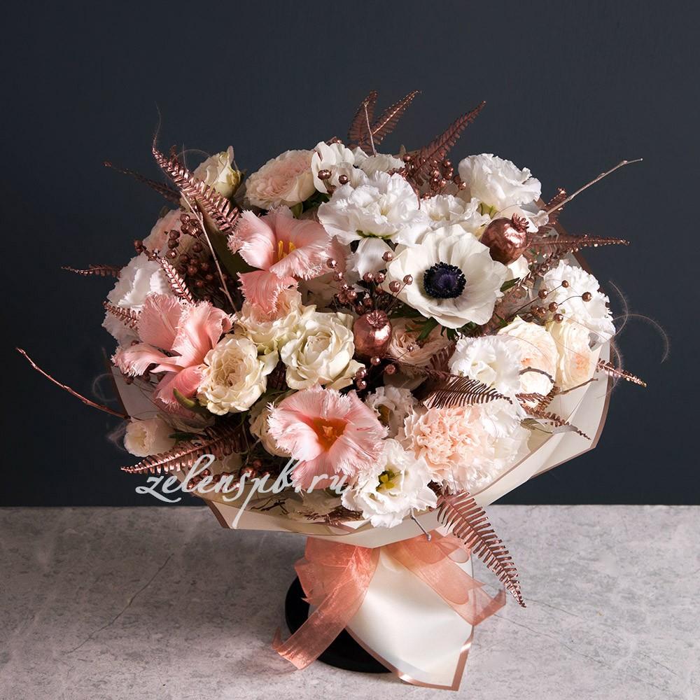 Круглый букет пудровой гамме №8 - купить цветы в Санкт Петербурге