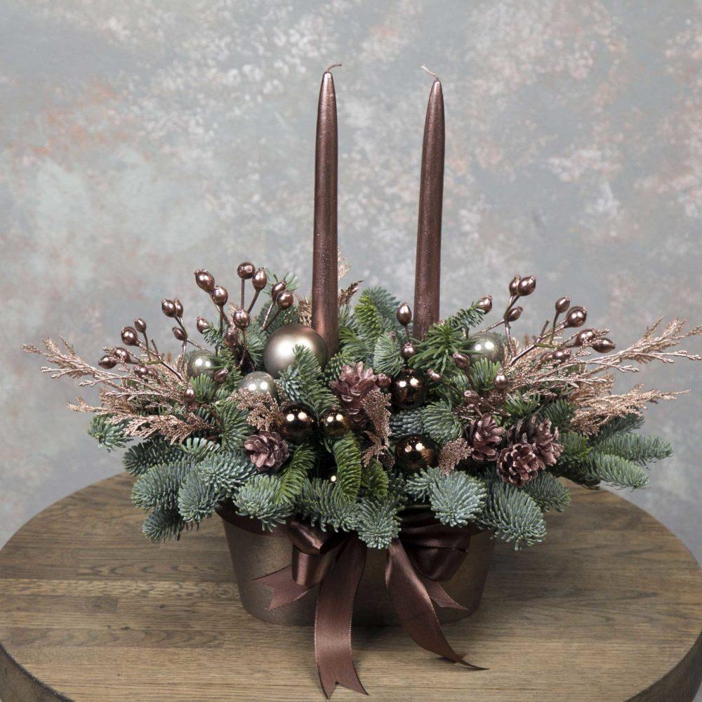 Новогодняя композиция из натуральной ели в бронзовой гамме №17 - купить цветы в Санкт Петербурге