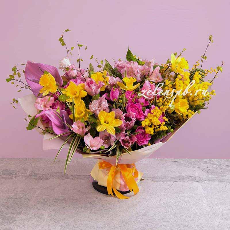 Букет в розово-желтой гамме с нарциссами №1 - купить цветы в Санкт Петербурге