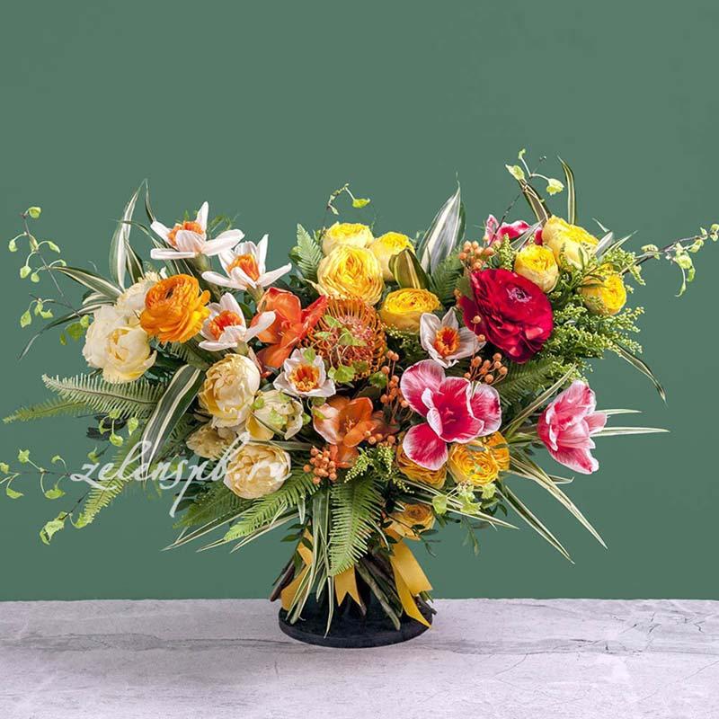Раскидистый букет в ярких тонах №1 - купить цветы в Санкт Петербурге