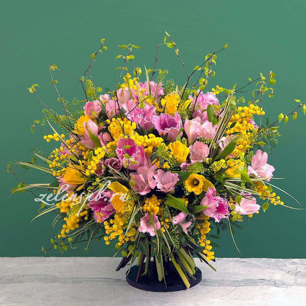 Круглый букет с розовыми тюльпанами и мимозой №7 - купить цветы в Санкт Петербурге