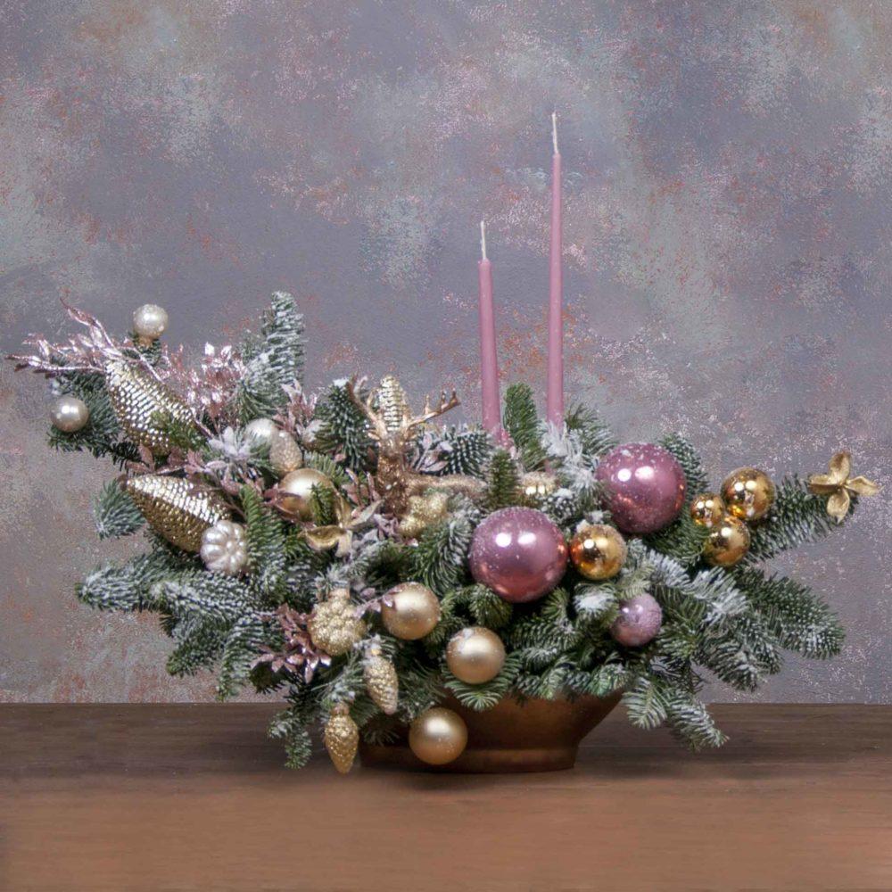 Новогодняя композиция из натуральной ели в золотисто-розовой гамме №7 - купить цветы в Санкт Петербурге